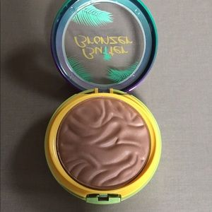 physicians formula butter bronzer. New in box.